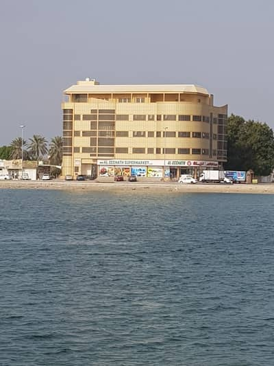 2 Bedroom Flat for Rent in Al Limghadar, Umm Al Quwain - for rent . . . . two rooms and hall . . . . . . in umm alquwain