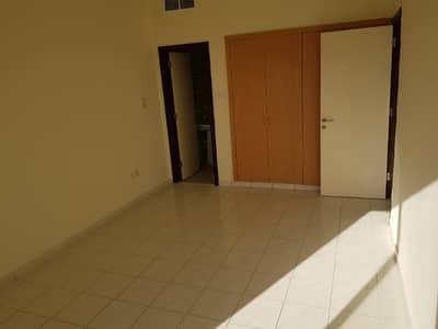 شقة في طراز إيطاليا المدينة العالمية 1 غرف 32000 درهم - 3828126