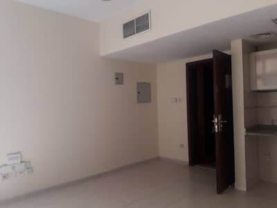 Studio for Rent in Al Qasimia, Sharjah - Very nice studio 6 cheques payment with one month Free only in 16000