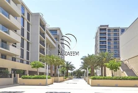 2 Bedroom Apartment for Sale in Al Raha Beach, Abu Dhabi - High-Floor. Canal View. Spacious 2 Bedroom Apartment in Al Zeina