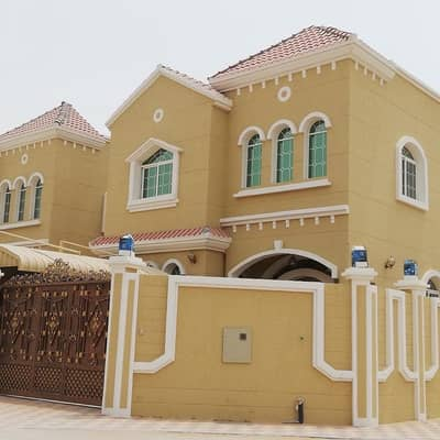 5 Bedroom Villa for Sale in Al Mowaihat, Ajman - For owners of elegance and luxury Villa for sale next to the Emirates Street from the owner directly