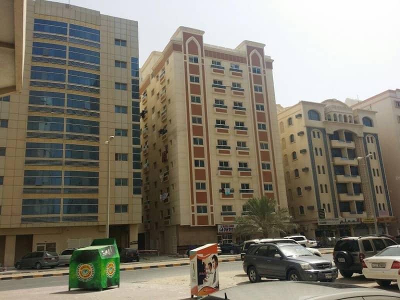 للبيع بناية سكنى تجارى مساحة 6400 قدم بالنعيمية شارع الملك فيصل بدخل مليون و447 ألف