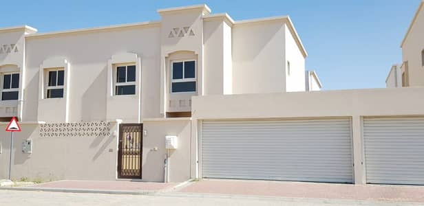 4 Bedroom Villa for Rent in Barashi, Sharjah - Brand New 4Bed Maid Villa For Rent in Barashi Sharjah Area
