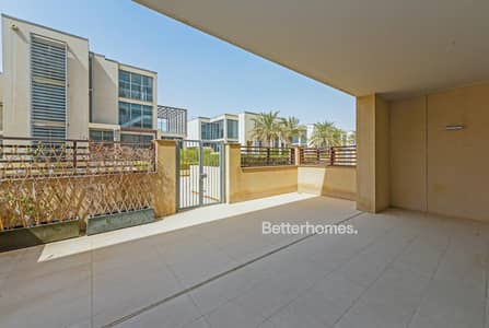 3 Bedroom Townhouse for Sale in Al Raha Beach, Abu Dhabi - Elegant Townhouse with terrace in ground floor