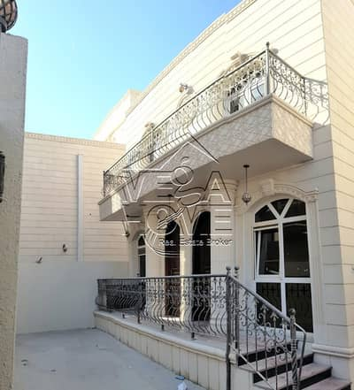 5 Bedroom Villa for Rent in Khalifa City A, Abu Dhabi - Naturally Well-Lit !!5 Br Villa w/Private yard