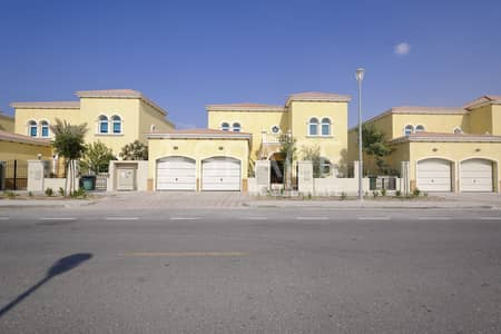 4 Bedroom Villa for Rent in Jumeirah Park, Dubai - Well Maintained - Available End of April- Superb Location