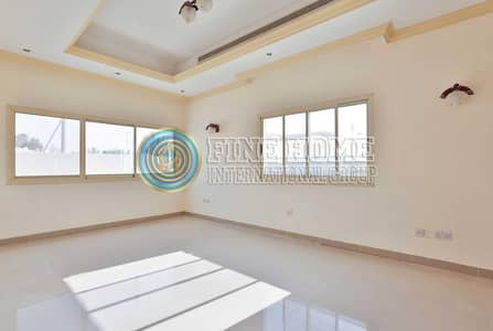 4 Bedroom Villa for Rent in Shakhbout City (Khalifa City B), Abu Dhabi - Wonderful 5 BR villa in Shakhbout City .