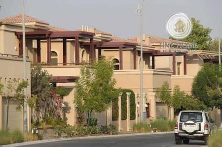 6 Bedroom Villa for Sale in Khalifa City A, Abu Dhabi - Spectacular 6BR+Pool Villa