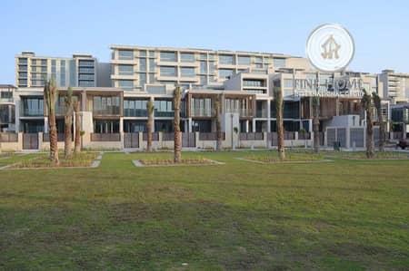 3 Bedroom Villa for Sale in Al Raha Beach, Abu Dhabi - Big 3BR villa in Al Zeina