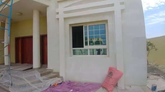 5 Bedroom Villa for Rent in Al Warqaa, Dubai - NICE AND CLEAN 5 BED/HALL/MAJLIS/MAID/DRIVER/LAUNDRY ROOM/MULHAQ VILLA IN AL WARQAA