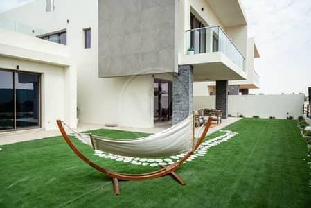 فیلا  للبيع في جزيرة ياس، أبوظبي - Golf Course Fronting Villa|No Agent Fee!