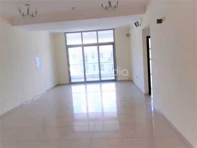 2 Bedroom Apartment for Sale in Dubai Marina, Dubai - 2Bedroom + Maids | Community View | DEC Tower 2