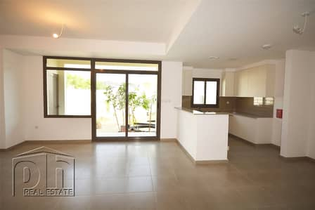 3 Bedroom Villa for Sale in Town Square, Dubai - Vacant type 5 great location keen seller