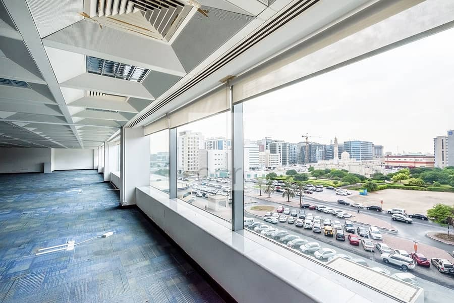 10 Prime location fitted office | Al Masaood