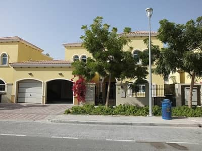 4 Bedroom Villa for Sale in Jumeirah Park, Dubai - A 4 Beds legacy Style Villa in District 4