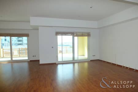 2 Bedroom Townhouse for Sale in Palm Jumeirah, Dubai - 2 Bedroom Townhouse l Vacant on Transfer