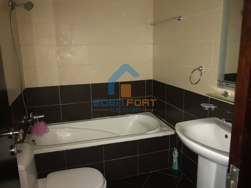 10 Well maintaned one bedroom unfurnished flat