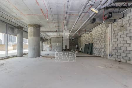 Shop for Rent in Business Bay, Dubai - LARGE SHELL AND CORE RETAIL SHOP FOR RENT