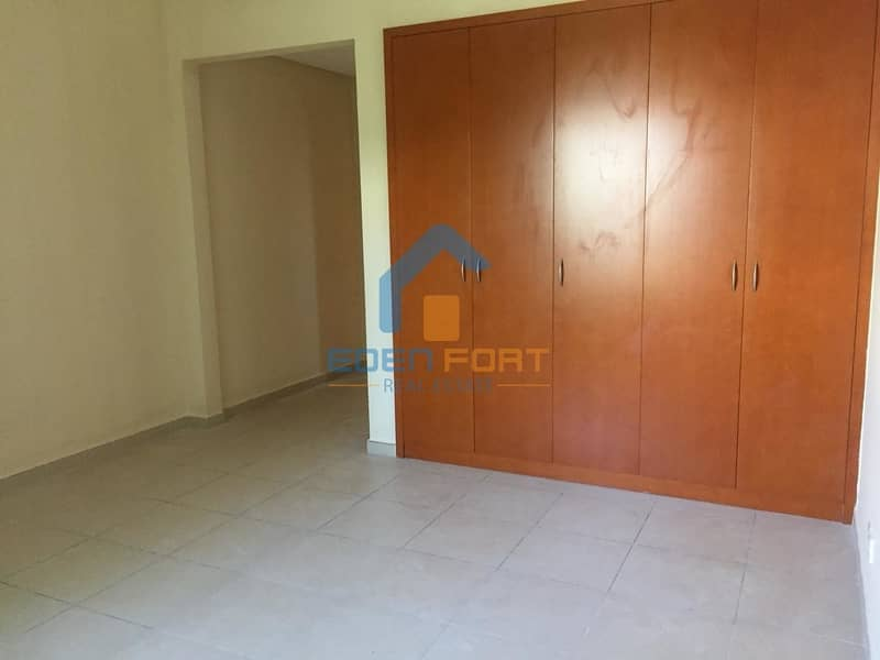 2 1 Bedroom in South West Green Community.