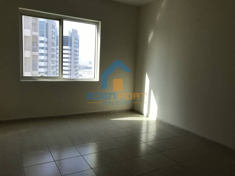 10 Chiller free 2 bedroom with closed kitchen