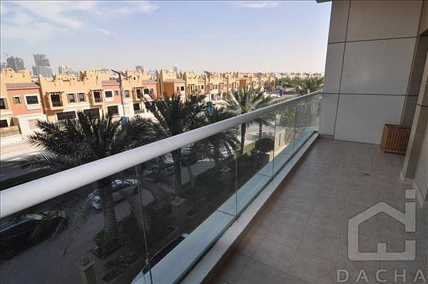 2 Vacant / Front side / Golf View Residence / Furnished