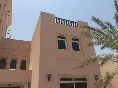 5 Bedroom Villa for Sale in Al Hamra Village, Ras Al Khaimah - for sale unique upgraded duplex with lagoon view and private pool