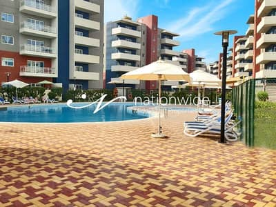 3 Bedroom Flat for Rent in Al Reef, Abu Dhabi - Dazzling 3 BR Apt with Modified kitchen!