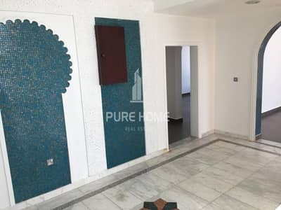 6 Bedroom Villa for Rent in Al Mushrif, Abu Dhabi - 0% Commission Fees !!  Stand Alone 6 Bedrooms Villa near Embassies Area  With Maid+Driver Room