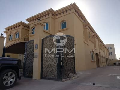 4 Bedroom Villa for Rent in Mohammed Bin Zayed City, Abu Dhabi - Excellent 4 Bedrooms Villa with Maid's Room