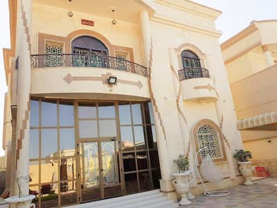5 Bedroom Villa for Sale in Al Mowaihat, Ajman - For sale villa with personal finishing with electricity and water and furniture with excellent desi