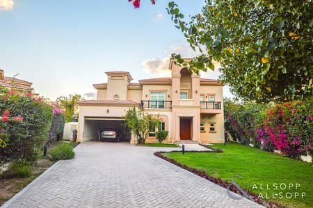 4 Bedroom Villa for Rent in Jumeirah Islands, Dubai - 4 Bedrooms | Lake View | Well Maintained