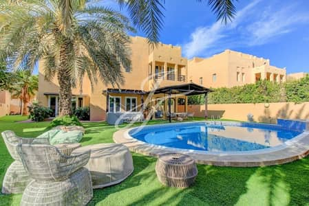 4 Bedroom Villa for Rent in The Lakes, Dubai - Exclusive l Vacant End of May l Well Kept