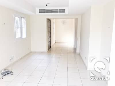 2 Bedroom Villa for Rent in The Springs, Dubai - Pool And Park Backing   4E   Immaculate.