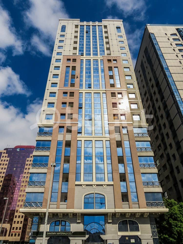 شقة في شارع النجدة 1 غرف 48000 درهم - 3841085