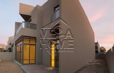 4 Bedroom Villa for Rent in Khalifa City A, Abu Dhabi - Stunning! Lovely 4 Master Bed Villa with amazing Backyard