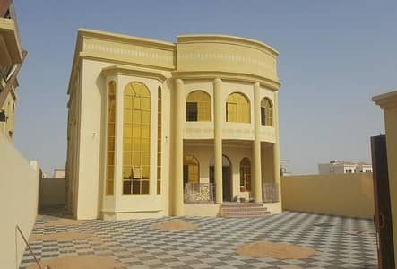 5 Bedroom Villa for Sale in Al Rawda, Ajman - Own a new villa in Ajman at a great price and a very lively location