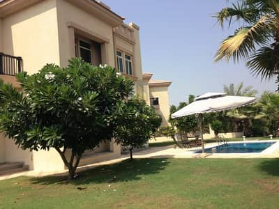 4 Bedroom Villa for Rent in Jumeirah Islands, Dubai - Spanish Style 4BR Corner Villa Entertainment Foyer