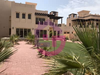 4 Bedroom Villa for Sale in Al Hamra Village, Ras Al Khaimah - Four Bed Charming  Villa With Beach View