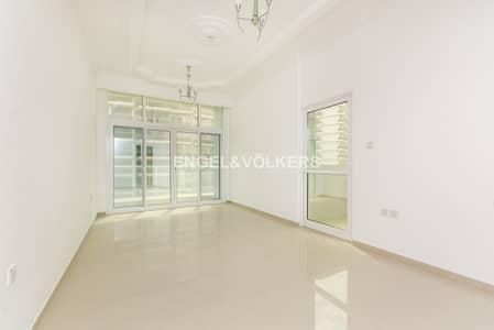 2 Bedroom Flat for Sale in Dubai Sports City, Dubai - Closed Kitchen|Large Balconies |Spacious