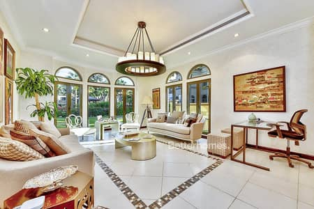 4 Bedroom Villa for Sale in Palm Jumeirah, Dubai - Independent Villa |Vacant |Best Location