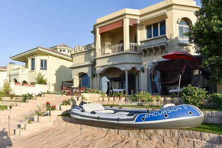4 Bedroom Villa for Sale in Palm Jumeirah, Dubai - High Number Sunset View Central Rotanda