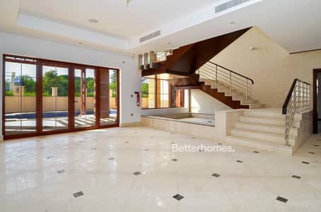 5 Bedroom Villa for Sale in Jumeirah Islands, Dubai - Best price | Excellent condition | Lake view