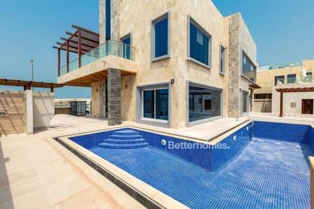 5 Bedroom Villa for Sale in Pearl Jumeirah, Dubai - Custom built | Brand new 5 bedroom | Pearl Jumeirah