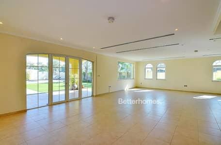 3 Bedroom Villa for Sale in Jumeirah Park, Dubai - Legacy Large l District 7 l Big Plot l with Garden