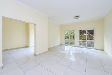 4 Bedroom Villa for Rent in The Meadows, Dubai - Unfurnished I Maid's I Close to Park and Pool