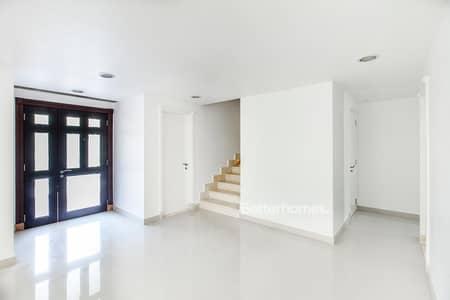 3 Bedroom Villa for Rent in Al Sufouh, Dubai - Beautiful 3 bed with a great finish - Arenco Villas