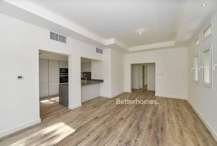 4 Bedroom Villa for Rent in The Lakes, Dubai - Fully Upgraded Villa | Built in Kitchen