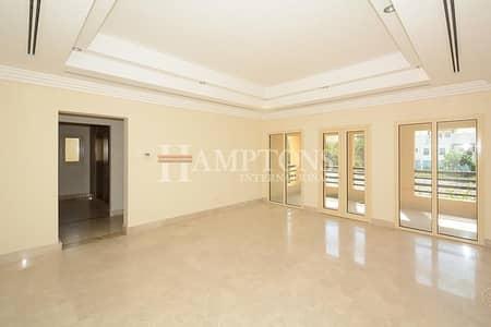 6 Bedroom Villa for Sale in The Lakes, Dubai - Beautiful Lake View | Large 6BR + M Villa