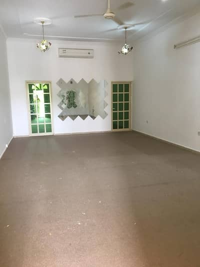3 Bedroom Villa for Rent in Al Ghafia, Sharjah - GIANT 3 BEDROOM HALL VILLA FOR RENT