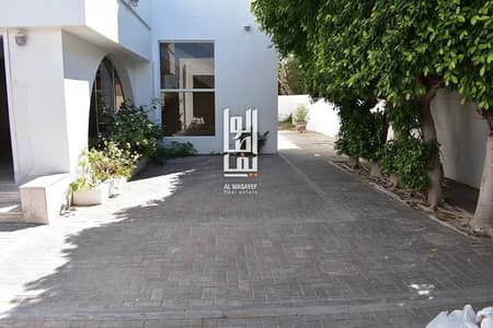 4 Bedroom Villa for Rent in Jumeirah, Dubai - 4BR villa with Private Garden-Jumeirah 3..